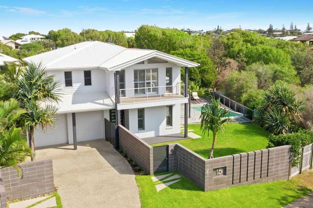 15 Antipodes Close, Castaways Beach QLD 4567