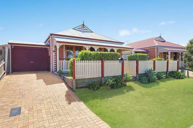 9 Flora Link, Springfield Lakes QLD 4300