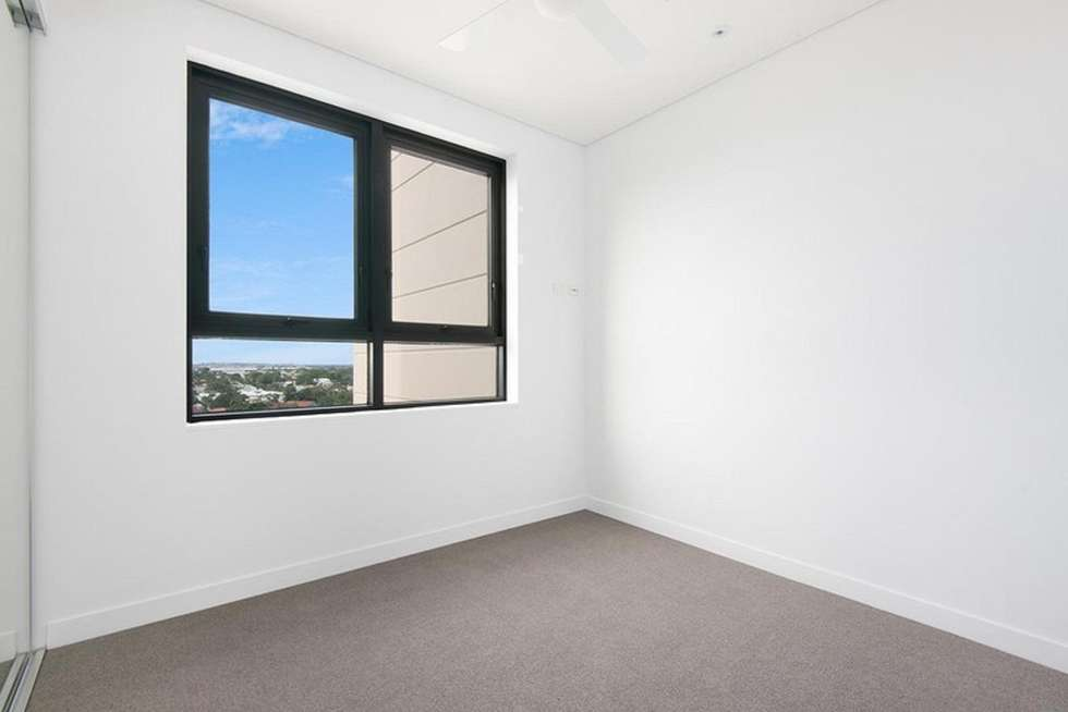 Fifth view of Homely apartment listing, 3036/33 Remora Road, Hamilton QLD 4007
