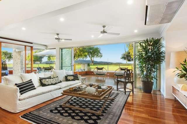 32 Palm Street, Rowes Bay QLD 4810