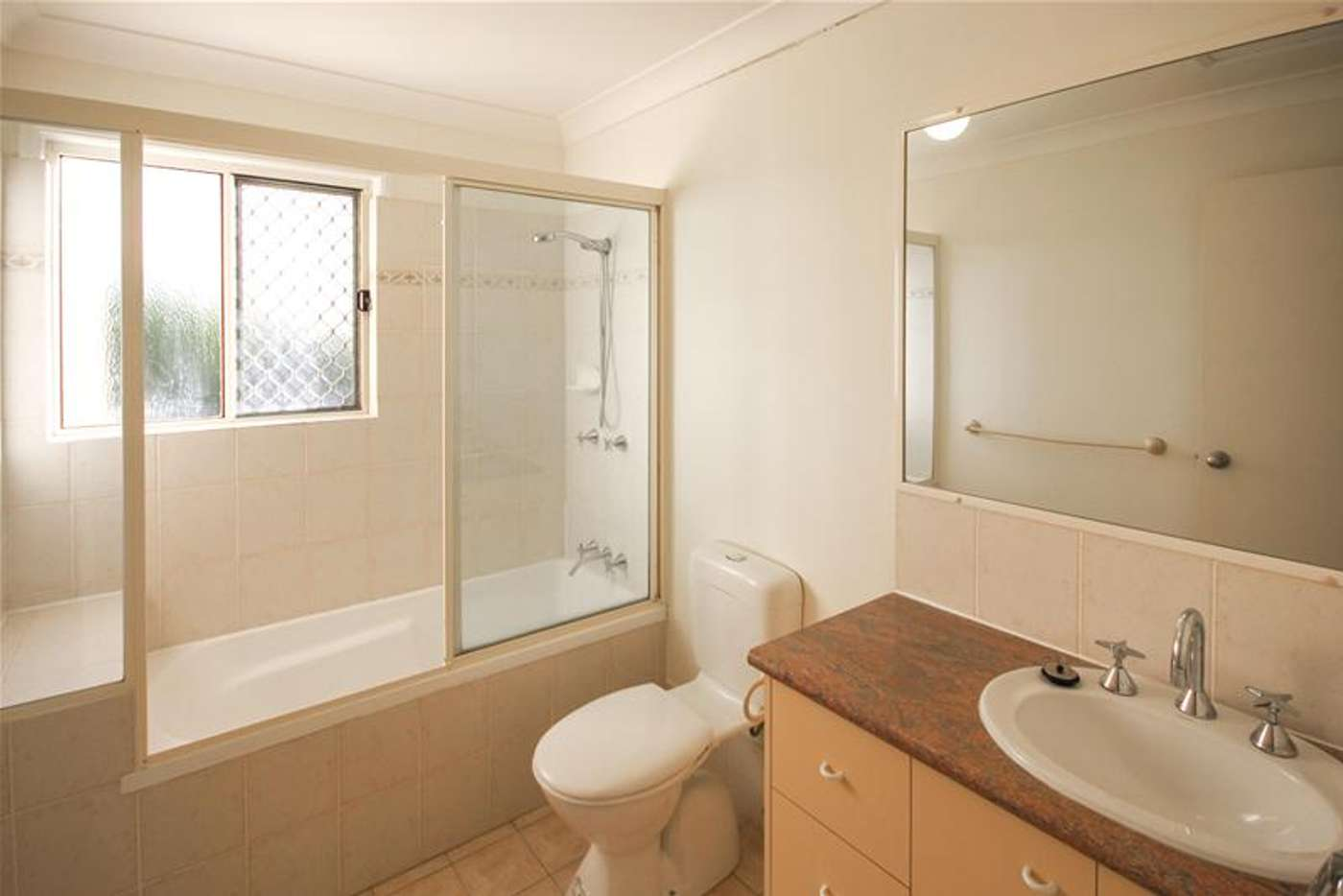 Seventh view of Homely townhouse listing, 2/735 Cavendish Road, Holland Park QLD 4121