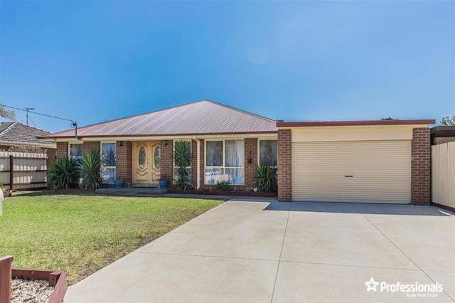 4 Ruth Court, Melton South VIC 3338