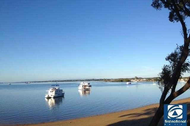 9/8 Boat Street, Victoria Point QLD 4165
