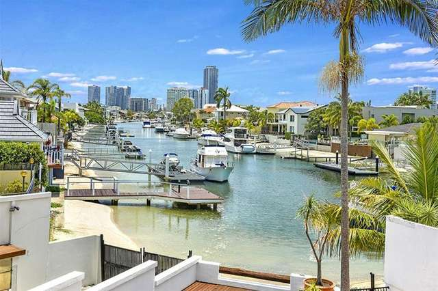 35 Admiralty Drive, Paradise Waters QLD 4217