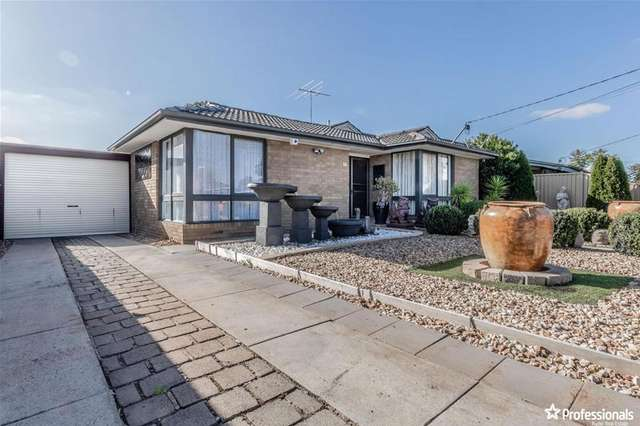 14 Grace Street, Melton South VIC 3338