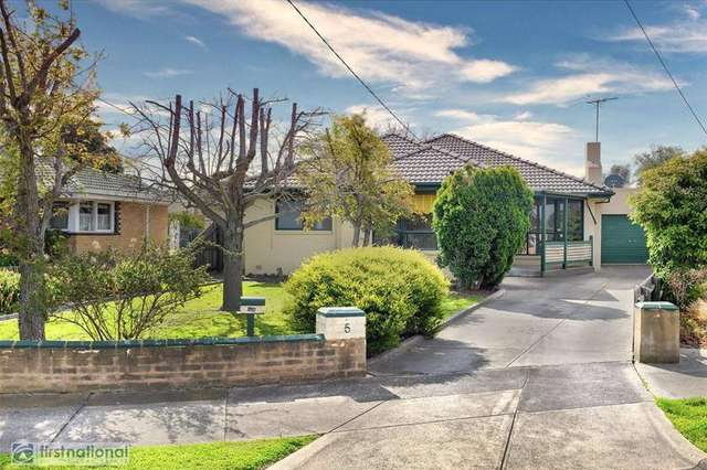 5 Wroxham Court, Fawkner VIC 3060