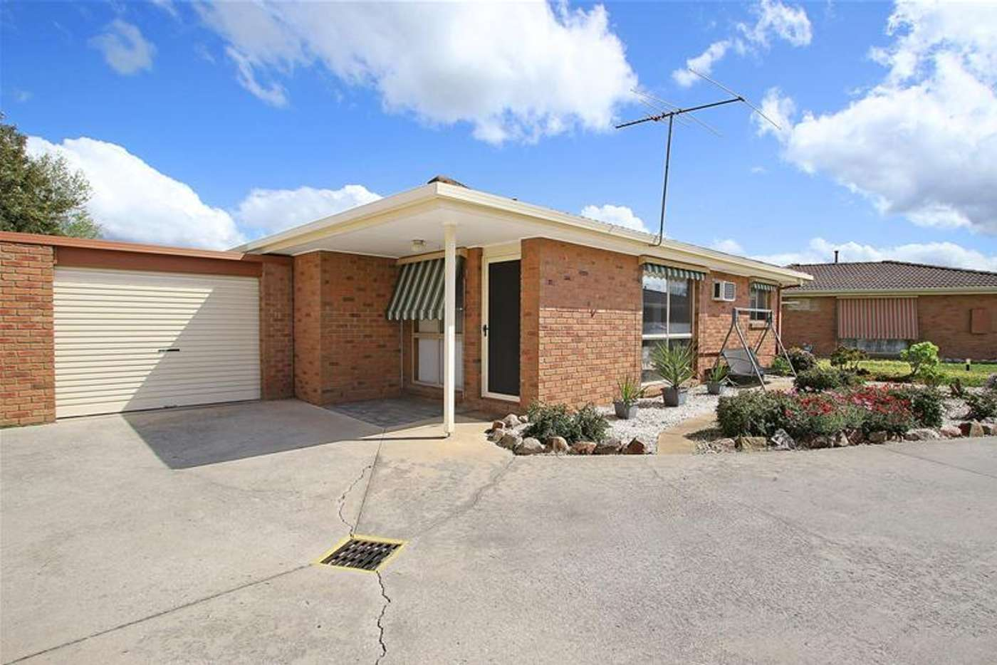 Main view of Homely unit listing, 4/7 Conway Court, Wodonga VIC 3690