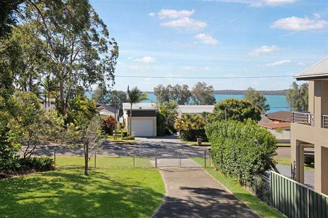 1 Bambury Avenue, Summerland Point NSW 2259