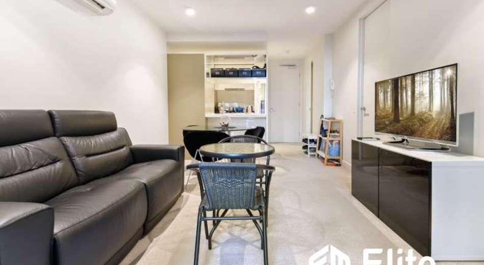 902/33 MACKENZIE STREET, Melbourne VIC 3000