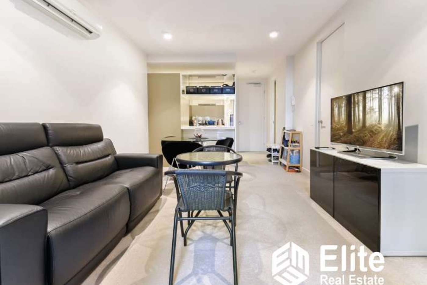 Main view of Homely apartment listing, 902/33 MACKENZIE STREET, Melbourne VIC 3000