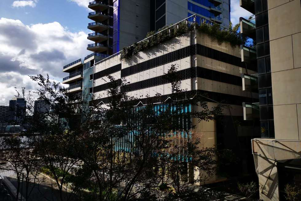 Fourth view of Homely apartment listing, 1H/8 WATERSIDE PLACE, Docklands VIC 3008