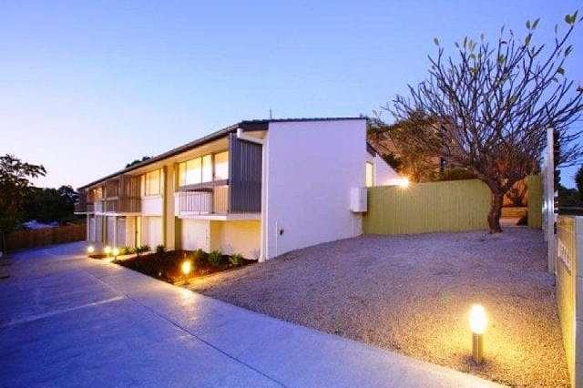 1/65 Erneton Street, Newmarket QLD 4051
