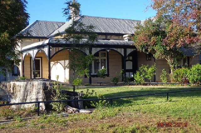 90 Crispe Street, Deniliquin NSW 2710