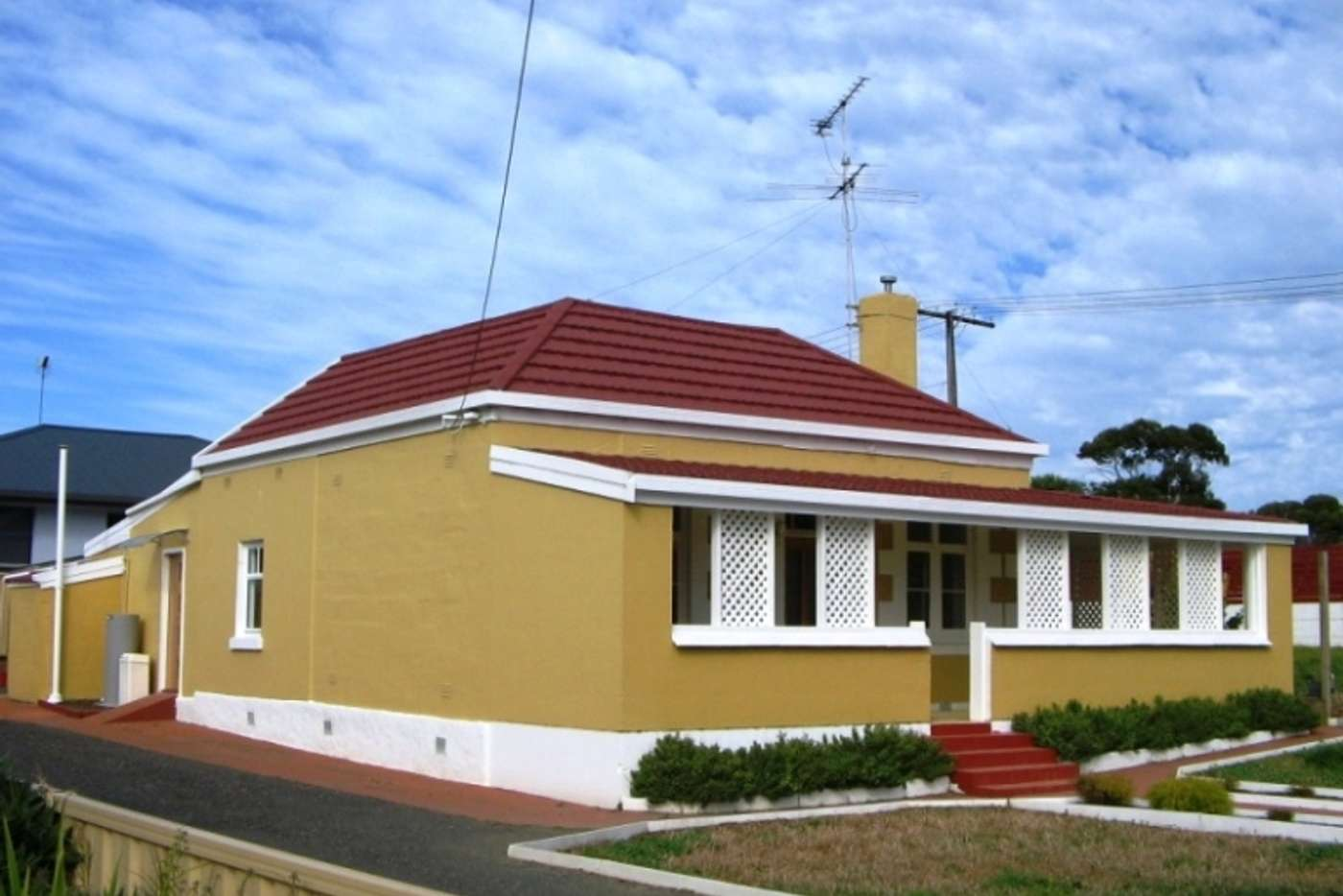 Main view of Homely house listing, 10 Sutton Avenue, Mount Gambier SA 5290