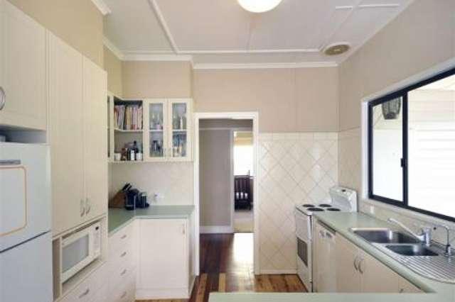 229 West Street, Harristown QLD 4350