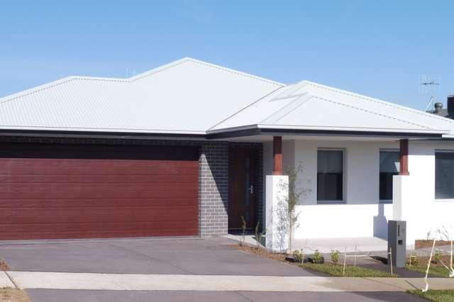 8 Carl Street, Googong NSW 2620