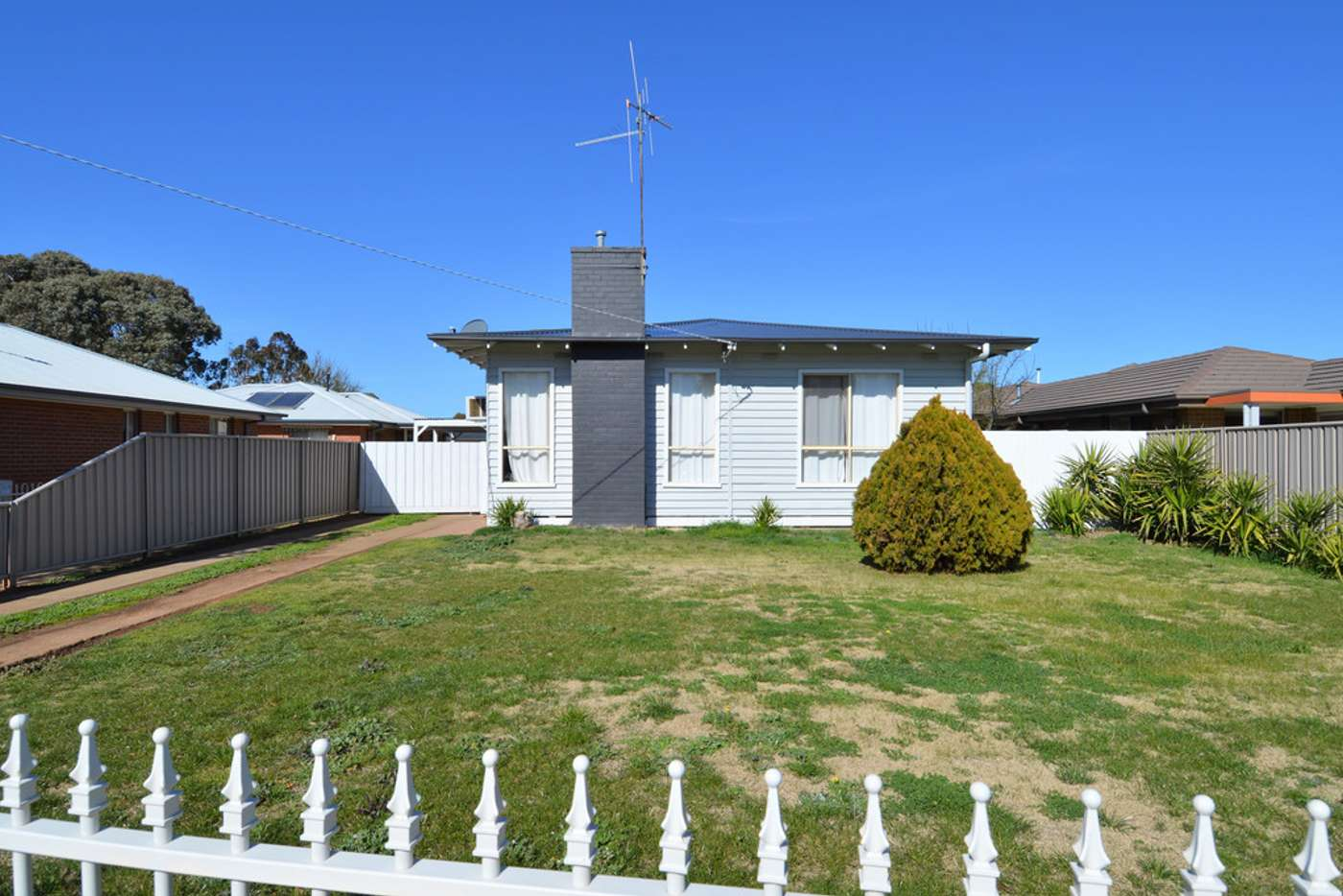 Main view of Homely house listing, 5 Garden Crescent, Echuca VIC 3564