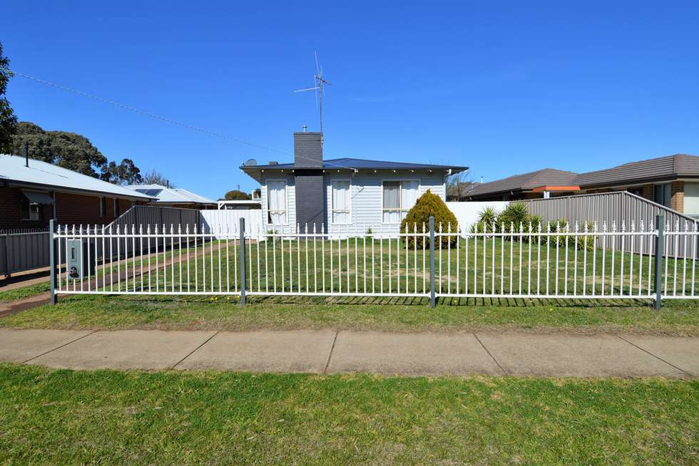 Second view of Homely house listing, 5 Garden Crescent, Echuca VIC 3564
