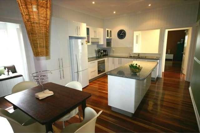 77 Macrossan Avenue, Norman Park QLD 4170