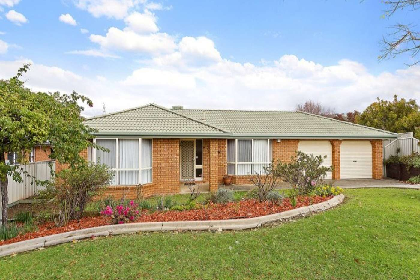 Main view of Homely house listing, 2 Canary Court, Wodonga VIC 3690