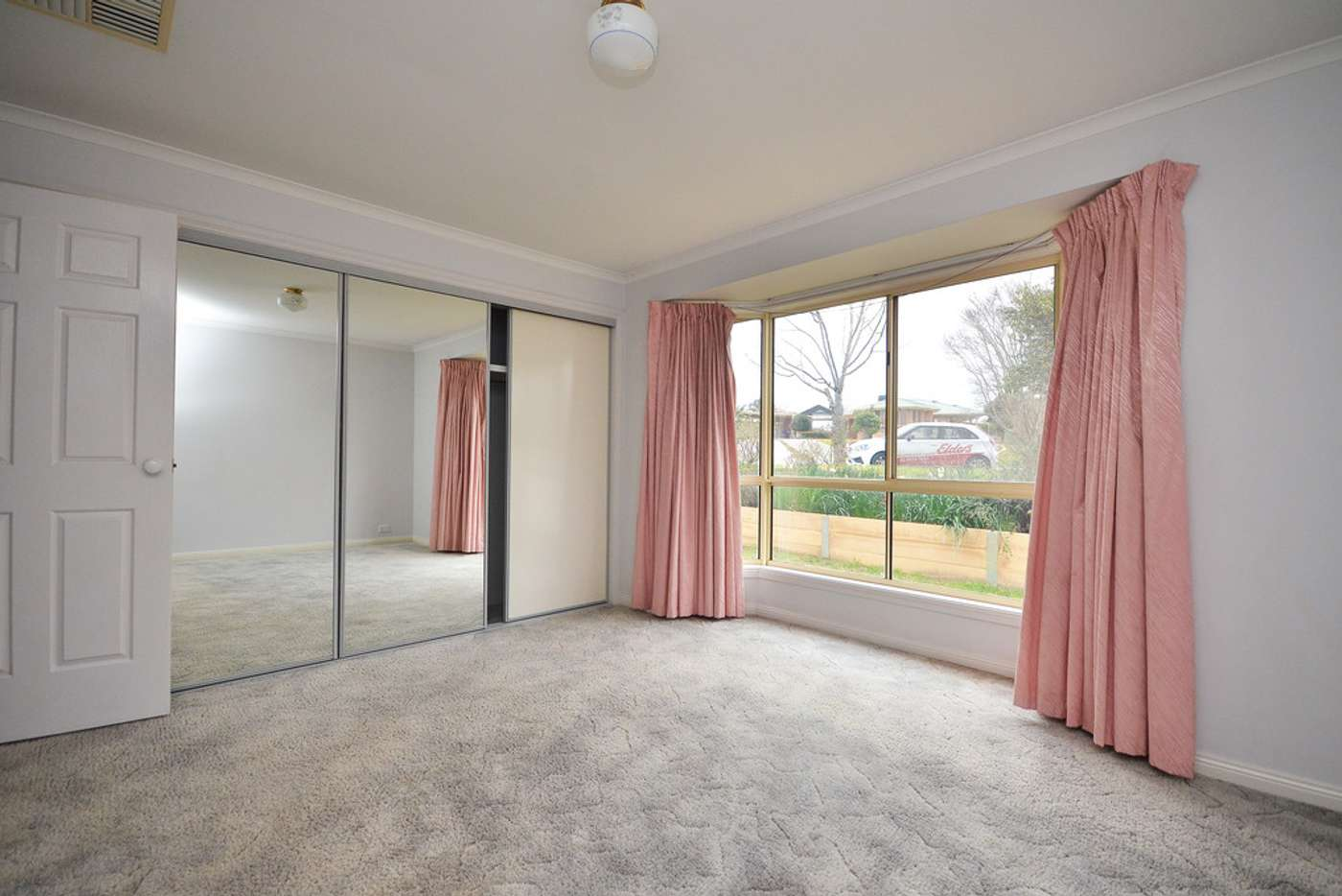 Sixth view of Homely house listing, 2 Canary Court, Wodonga VIC 3690