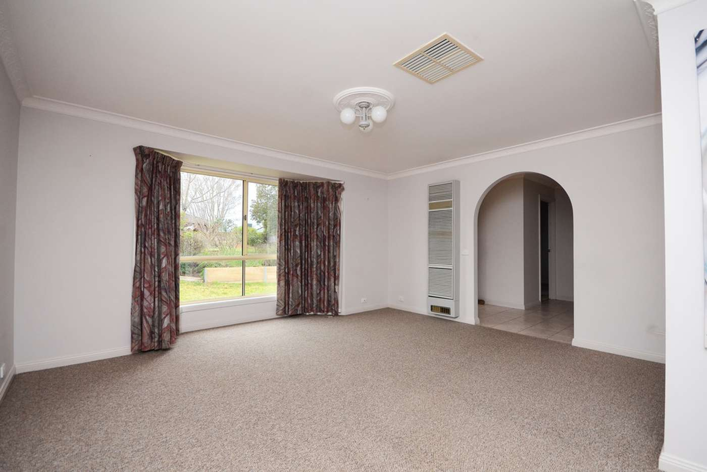 Seventh view of Homely house listing, 2 Canary Court, Wodonga VIC 3690