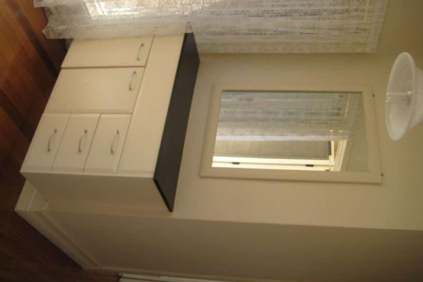 Seventh view of Homely house listing, 10 Daleglen Street, Reservoir VIC 3073