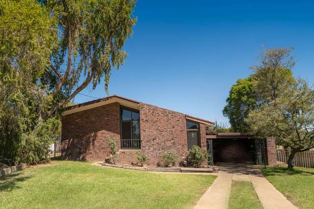 5 Falcon Place, Kooringal NSW 2650