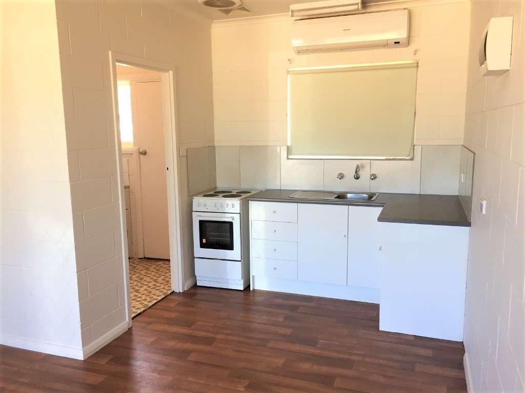 Main view of Homely unit listing, Unit 2/8 Eringa Avenue, Loxton, SA 5333