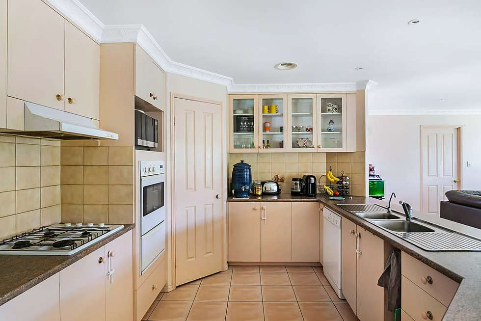 Second view of Homely house listing, 10 Daisy Court, Middle Ridge QLD 4350