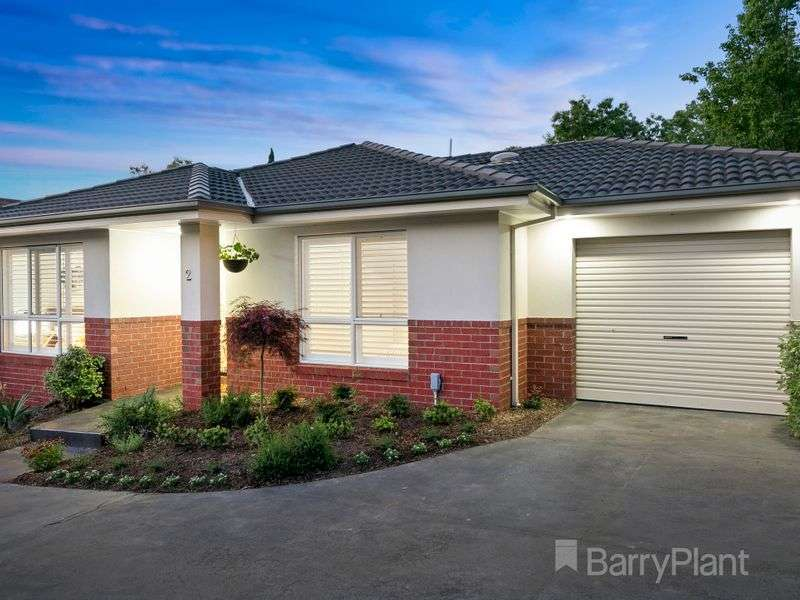 Main view of Homely townhouse listing, 2/15 Newman Road, Croydon, VIC 3136