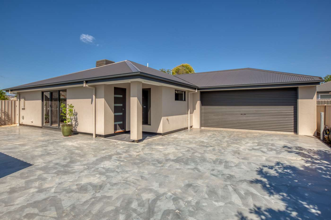 Main view of Homely townhouse listing, 2/89 Mitchell Street, Wodonga VIC 3690