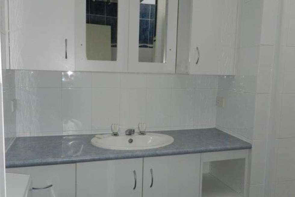 Fifth view of Homely unit listing, 2/251 Auckland Street, South Gladstone QLD 4680