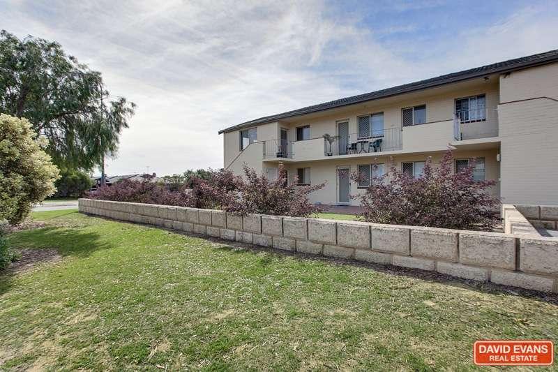 Main view of Homely unit listing, 2/45 Parkin Street, Rockingham, WA 6168