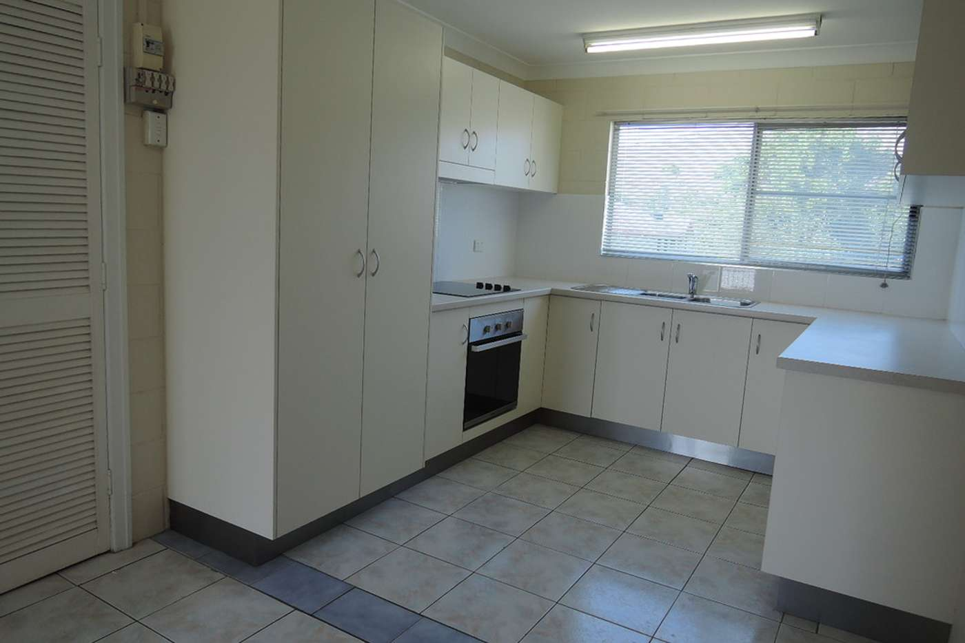 Seventh view of Homely unit listing, 8/11 Vaughn, West End QLD 4810