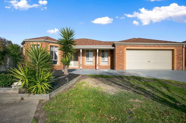 31 Gatehouse Parade, Cranbourne East VIC 3977