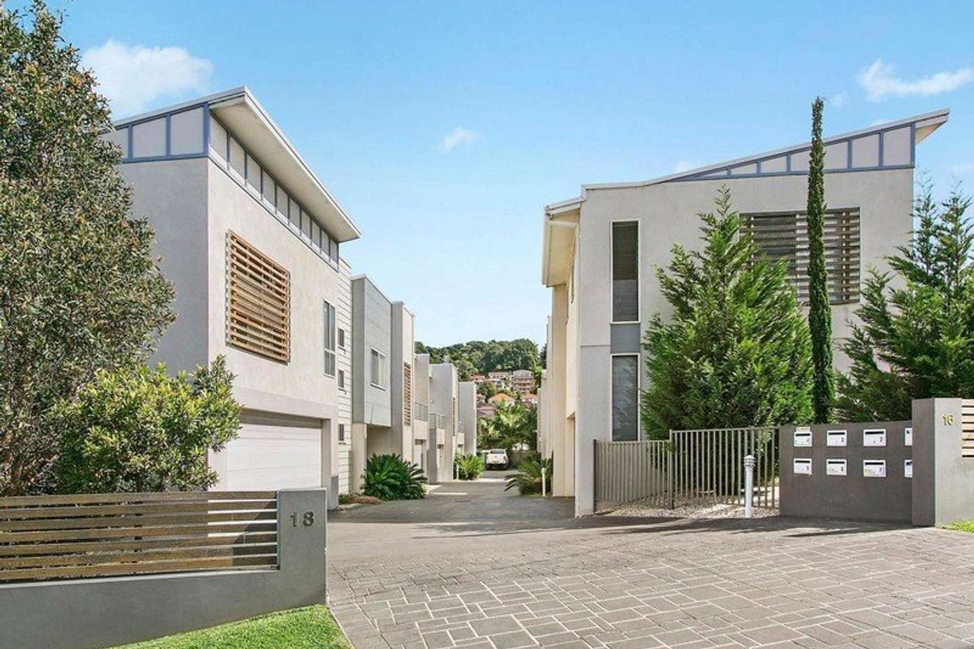 Main view of Homely townhouse listing, 2/16 Strathearn Avenue, Wollongong NSW 2500