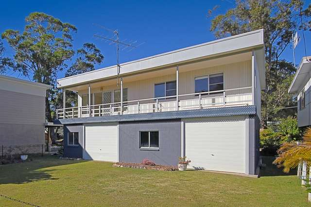 32 Carroll Avenue, Lake Conjola NSW 2539