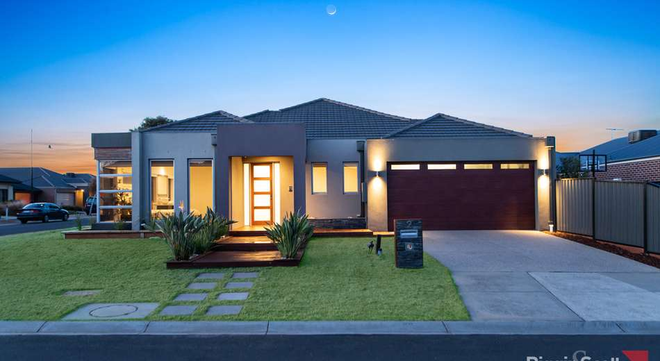 2 Gingelly Close, Point Cook VIC 3030