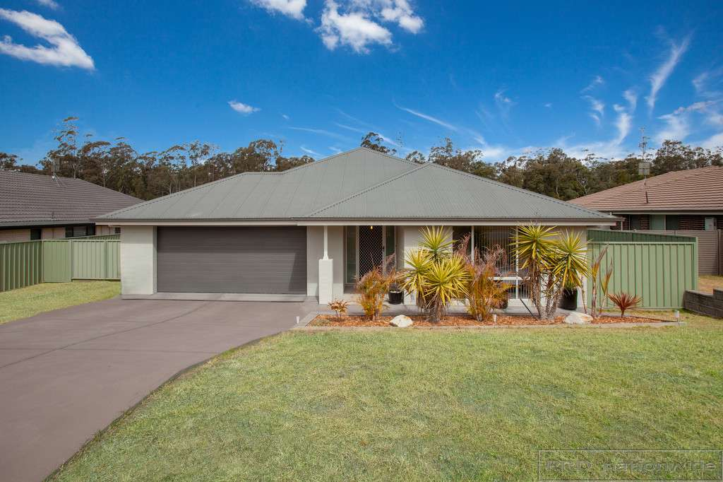 Main view of Homely house listing, 18 Hinchinbrook Close, Ashtonfield, NSW 2323