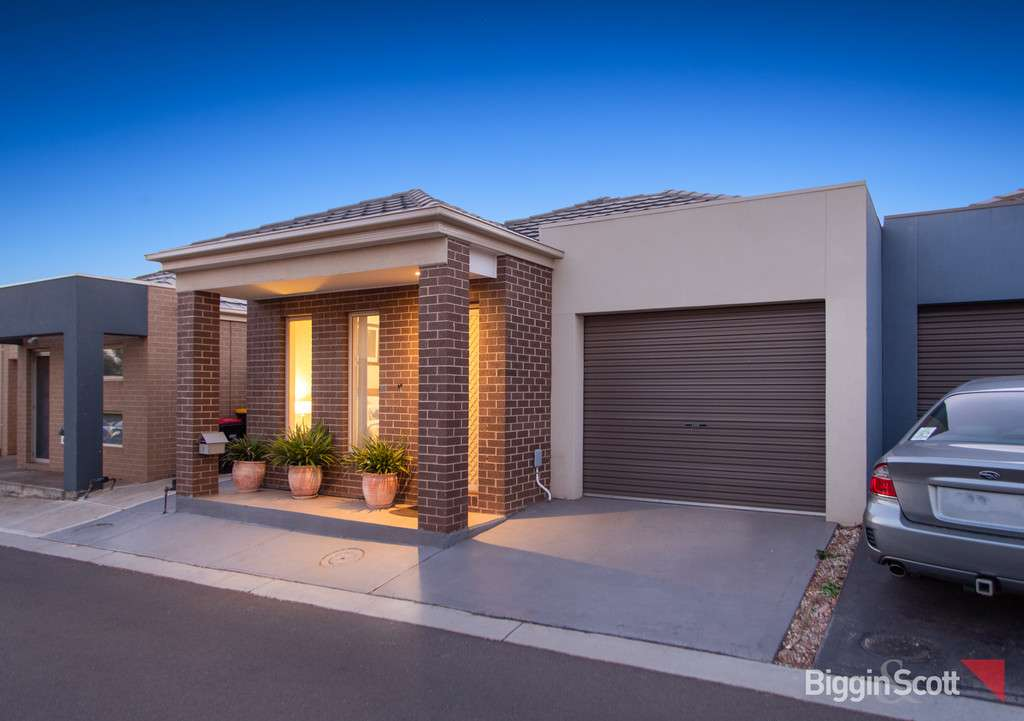 Main view of Homely unit listing, 7/40 McCubbin Way, Caroline Springs, VIC 3023