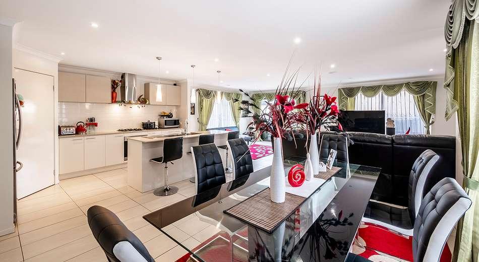 15 Brolin Terrace, Cranbourne North VIC 3977