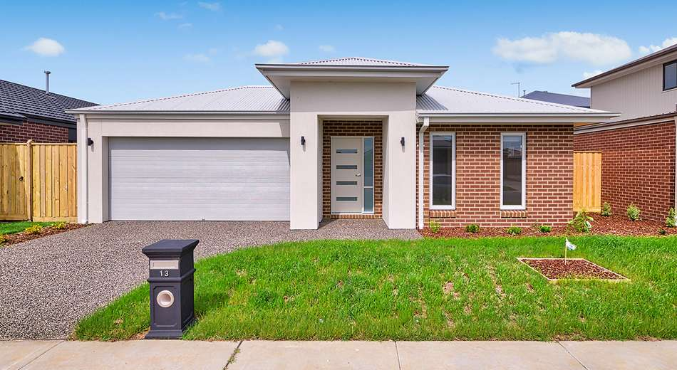 13 Simmental Drive, Clyde North VIC 3978