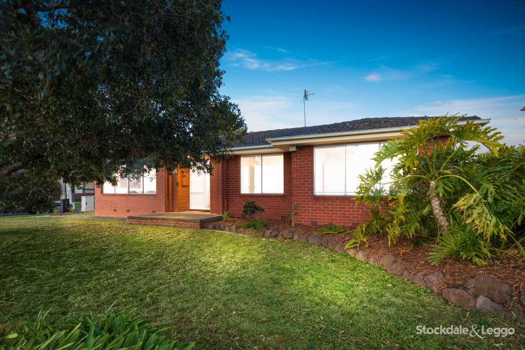 Main view of Homely house listing, 34 Woodstock Drive, Gladstone Park, VIC 3043