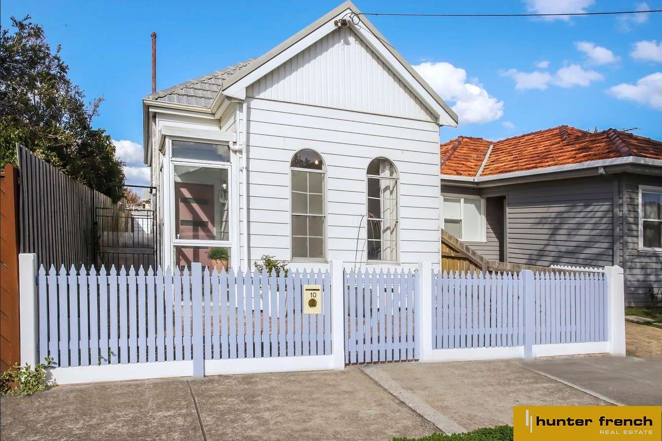 Main view of Homely house listing, 10 Irving Street, Newport, VIC 3015