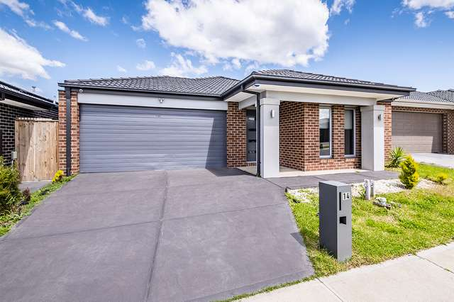 14 Dressen Way, Clyde North VIC 3978