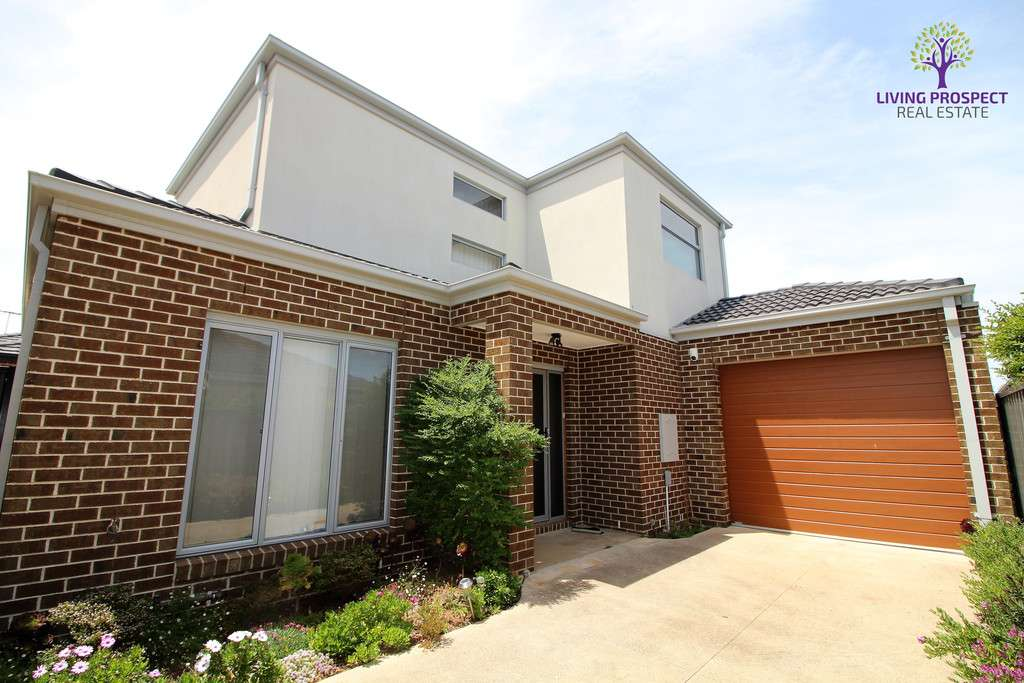 Main view of Homely townhouse listing, 3/5 Shirley Court, Point Cook, VIC 3030