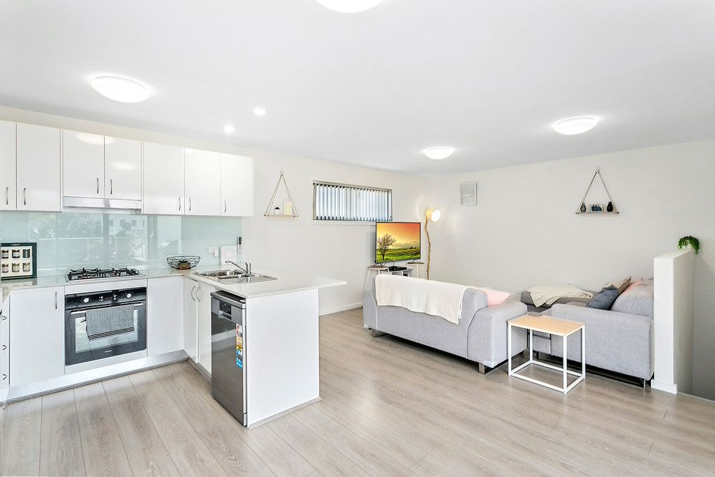 2/301 PRINCES HIGHWAY