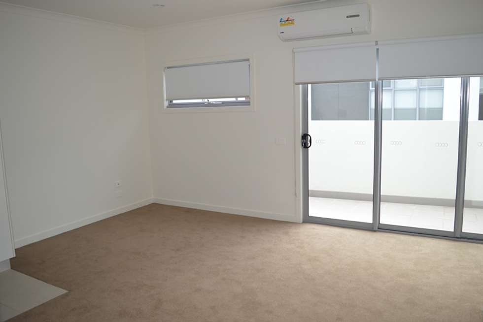 Second view of Homely townhouse listing, 9/6 Jean Street, Cheltenham VIC 3192