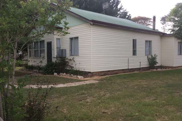 30 O'Donnell Ave, Guyra NSW 2365